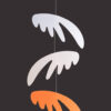 interiérová závěsná dekorace (mobil) - Pestrá křídla malá bílá