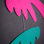 závěsná dekorace - Pestrá křídla