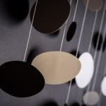 závěsná dekorace (mobil) - Zemité oblázky