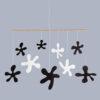 interiérová závěsná dekorace (mobil) - Kaňky