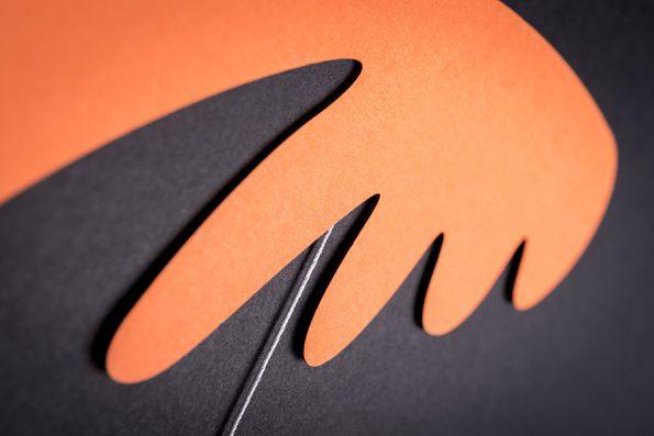 závěsná dekorace (mobil) - Pestrá křídla malá oranžová