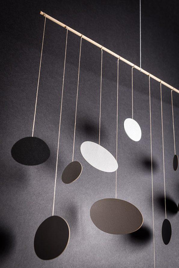 interiérová závěsná dekorace (mobil) - Mořské oblázky
